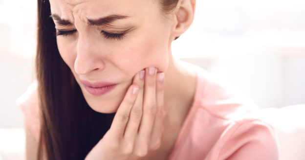 temporomandibular disorders jaw pain tmj clicking disc treatment management conservative care symptoms cause risk factors cause aetiology symptoms diagnosis anatomy physiology exercise physical therapy chiro physio chiropractic chiropractor physiotherapy physiotherapist balmain inner west sydney spine & sports centre s3c